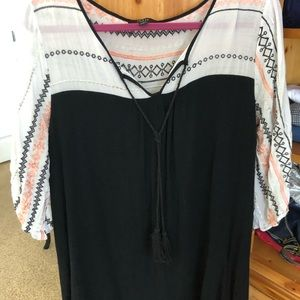 Dress or long shirt BLK WHT Aztec color design
